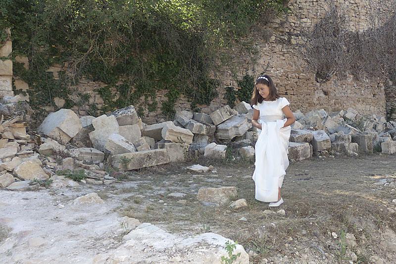 Caminando por las ruinas